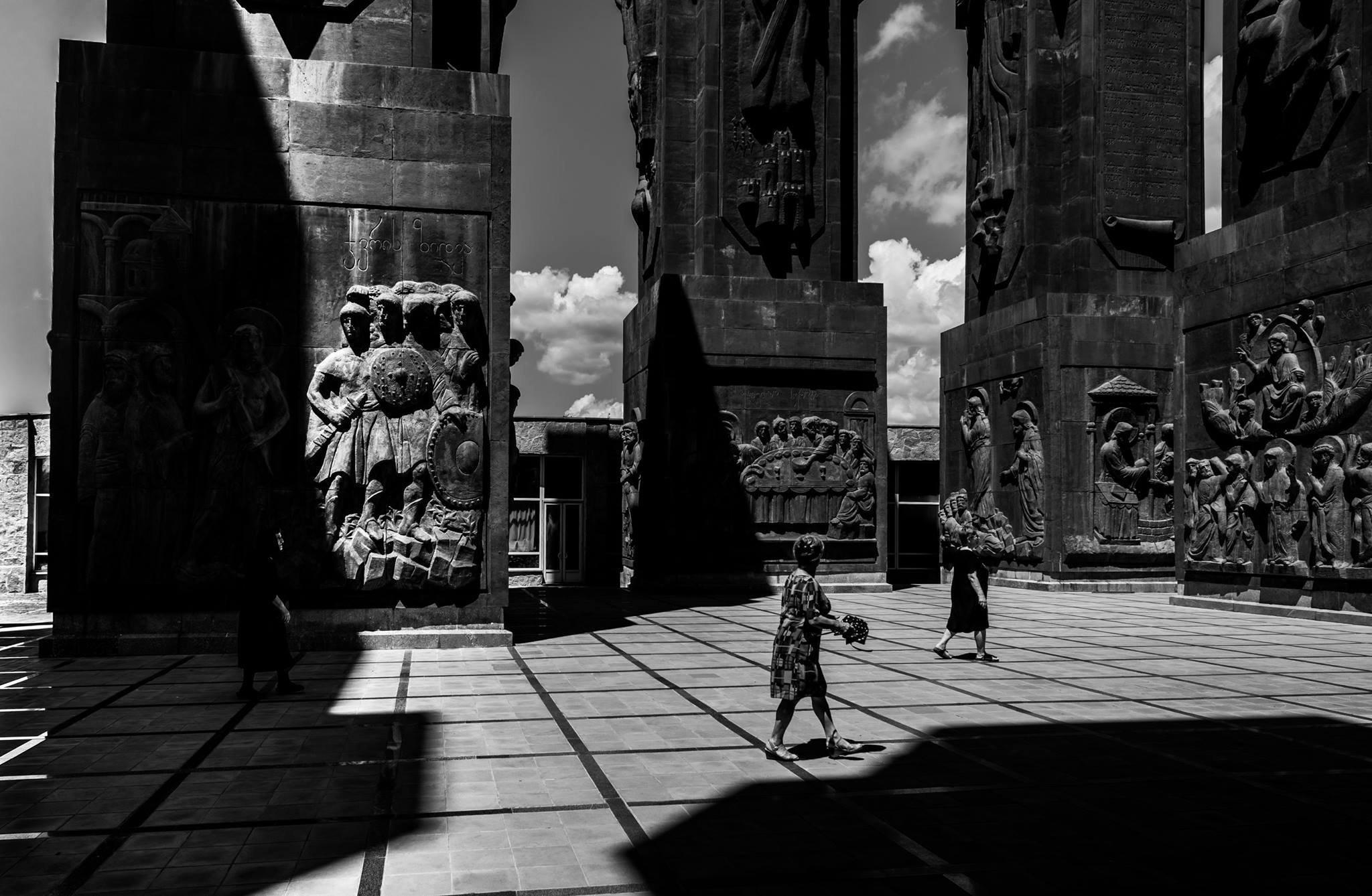 Монумент История Грузии, скульптор - Зураб Церетели