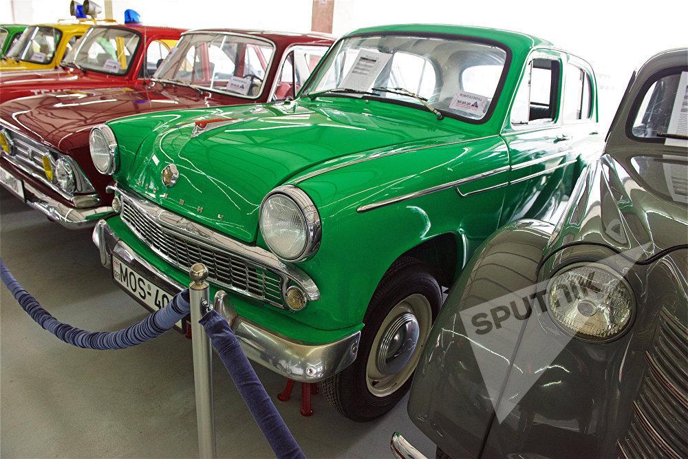 ავტომობილი Москвич-402, თბილისის ავტომუზეუმში. სწორედ ამ მანქანის აღდგენის შემდეგ გაუჩნდა გიორგი მამულაშვილს ავტომუზეუმის დაარსების იდეა