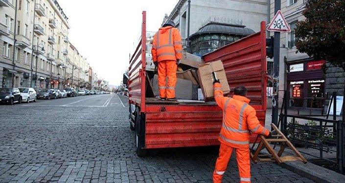 Мэрия Тбилиси борется с уличной торговлей