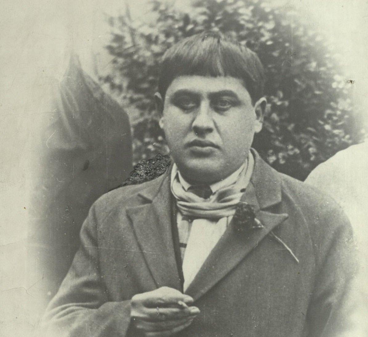 Грузинский поэт Тициан Табидзе