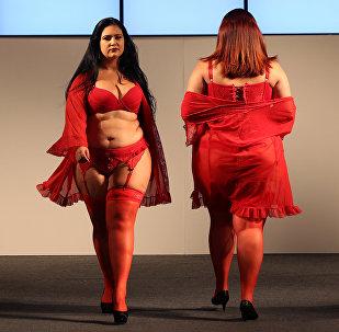 Модели во время Fashion Weekend Plus Size в Сан-Паулу, Бразилия