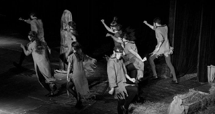 Спектакль Холстомер Грибоедовского театра в постановке режиссера Автандила Варсимашвили