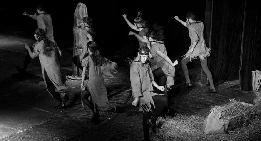 Спектакль Холстомер Грибоедовского театра, режиссер Автандил Варсимашвили