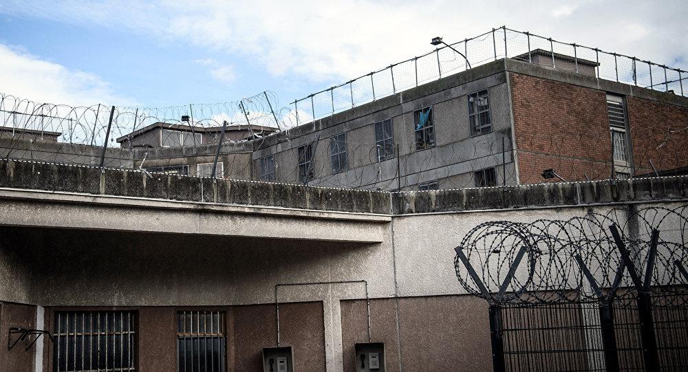 Курящих и некурящих заключенных в Грузии разместят по разным камерам