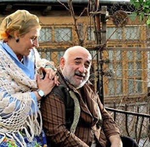 Кадр из фильма о тбилисском дворике