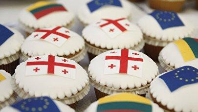 Кексики с флагами ЕС, Литвы и Грузии