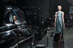 Первой на открытии Рижской недели моды свою коллекцию представила грузинская марка Mariam Gvasalia, дизайнер которой является однофамилицей создателя одного из самых популярных сейчас в Европе брендов Vetements и креативного директора Дома моды Balenciaga Демны Гвасалия