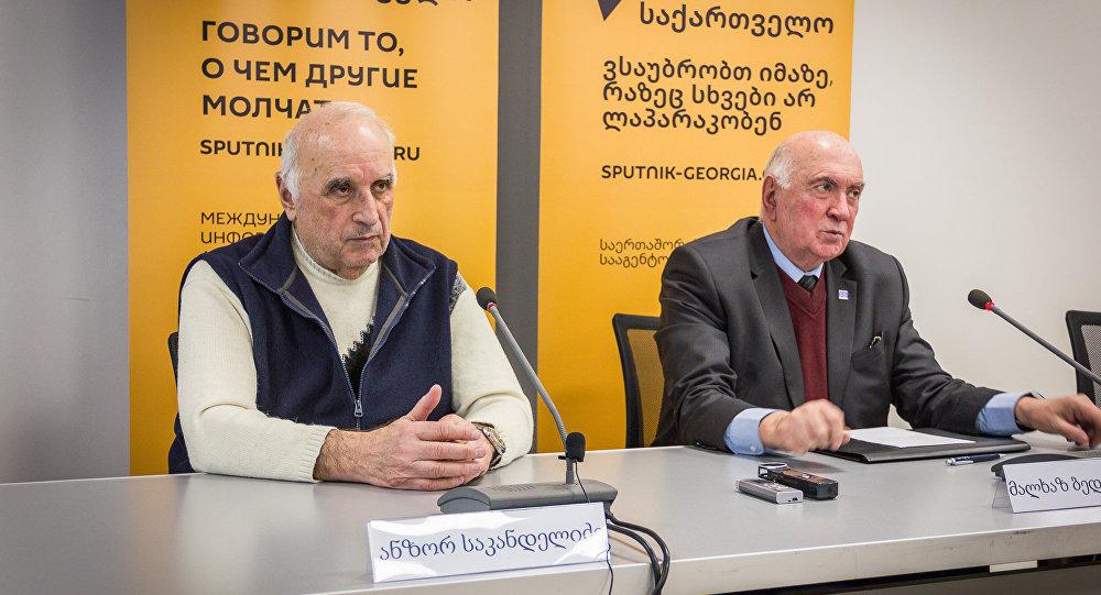 Пресс-конференция экспертов по вопросам строительства в Тбилисском международном пресс-центре