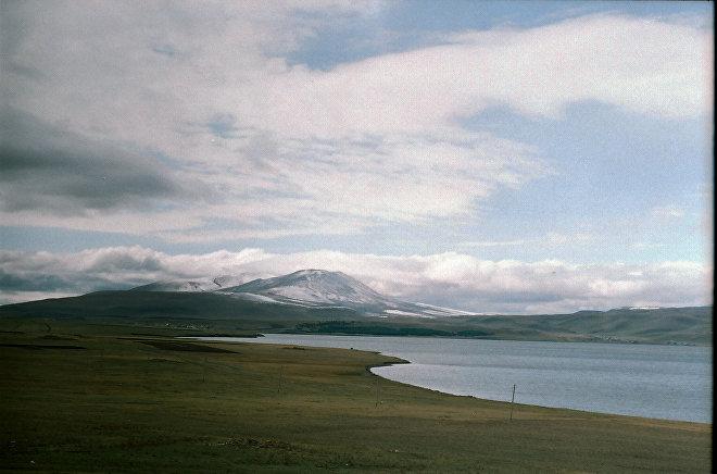 Озеро Паравани, регион Самцхе-Джавахети