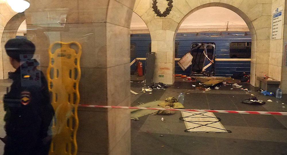 Источник назвал мощность обезвреженного взрывного устройства вПетербурге