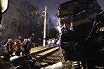 Столкновение электрички и пассажирского поезда