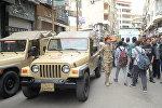 Египетский военный на месте теракта перед церковью в Александрии, Египет
