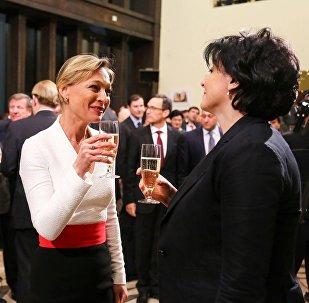 Первая леди Грузии Мака Чичуа с супругой премьера Грузии