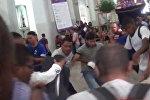 Сторонники и противники Мадуро подрались в церкви во время мессы