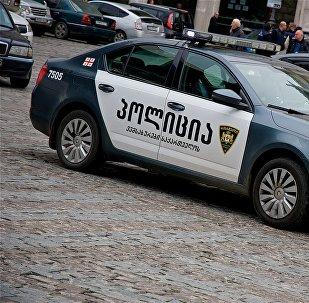 პოლიციის ავტომობილი თბილისის ცენტრში
