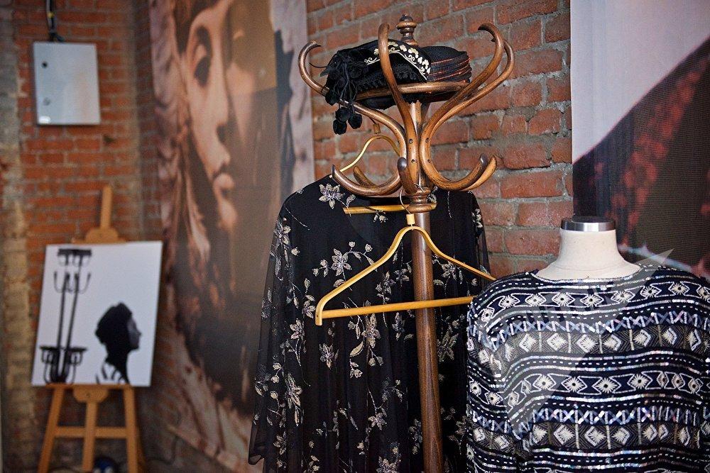 Личные вещи Софико Чиаурели, представленные на церемонии открытия новой Тбилисской Недели моды