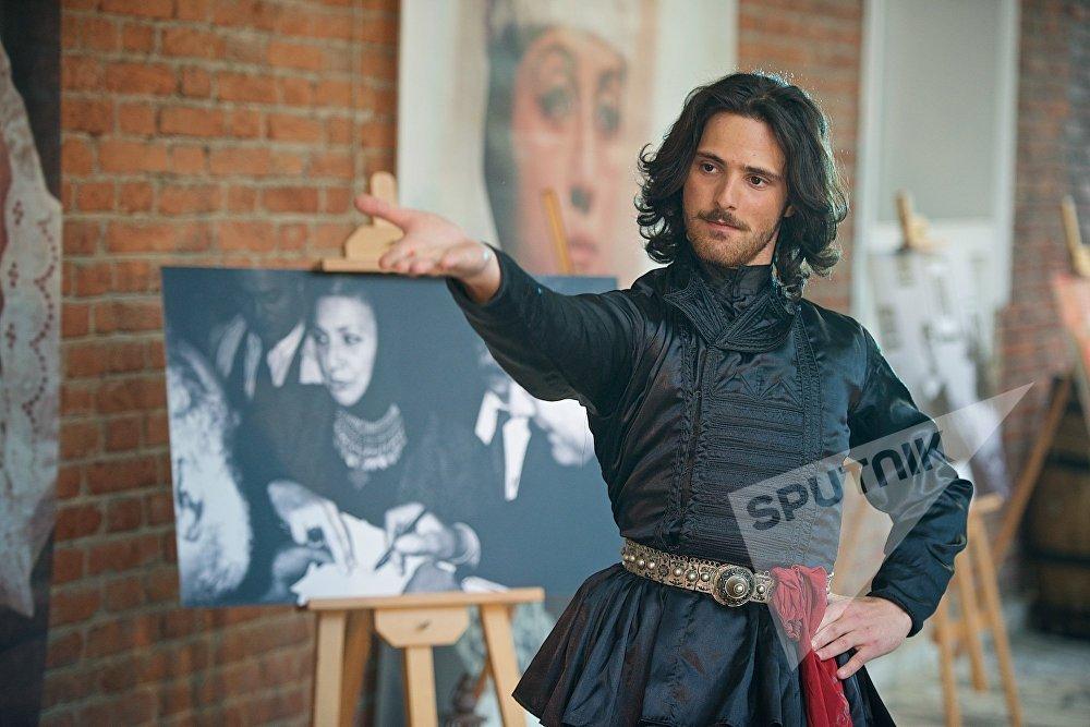 Перформанс в честь Софико Чиаурели на открытии Тбилисской Недели моды длился несколько часов, все это время модели и артисты выступали перед зрителями