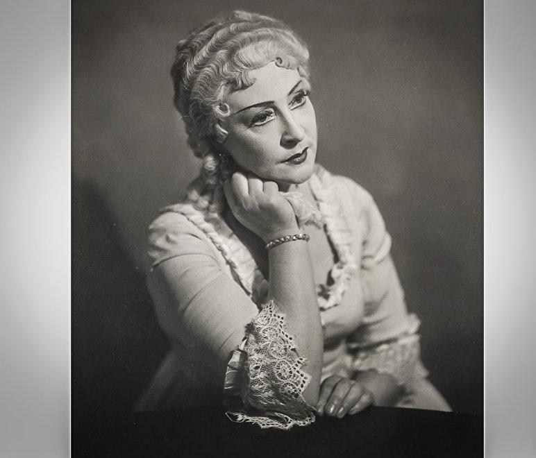 Одна из ведущих актрис Тбилисской оперы с 1935 по 1960 годы Гертруда Шмальцель