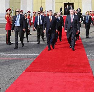 Премьер Грузии Георгий Квирикашвили проводил своего венгенрского коллегу Виктора Орбана