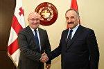 Министр обороны Грузии Леван Изория и секретарь Совета безопасности Турции Сейфуллах Хаджимюфтюоглы