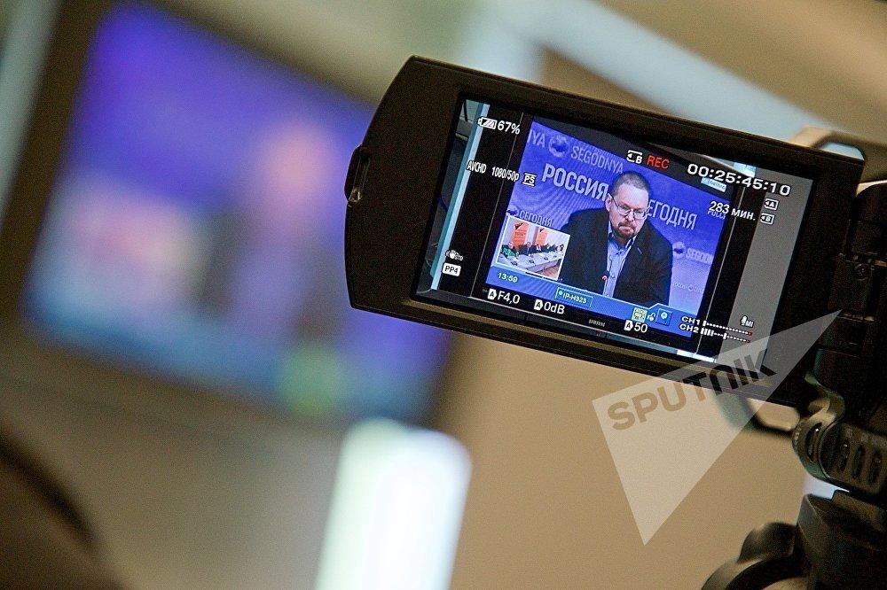 კავკასიისა და რეგიონული უსაფრთხოების პრობლემების ცენტრის თანამშრომელი ნიკოლაი სილაევი ვიდეოხიდის მსვლელობის დროს