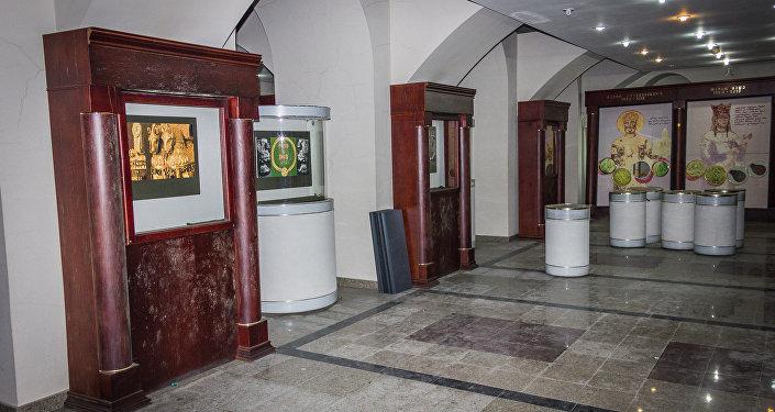 Внутренний интерьер здания бывшего Национального банка Грузии