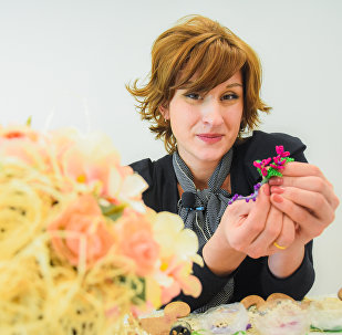 GEO მასტერკლასი დიზაინერ ქეთი ჯანხოთელისაგან - გულსაბნევი ბისერის ტექნიკით.