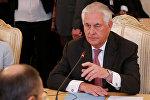 Госсекретарь США Рекс Тиллерсон на встрече с министром иностранных дел России Сергеем Лавровым в Москве, Россия
