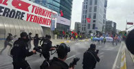 Разгон демонстрации в Стамбуле