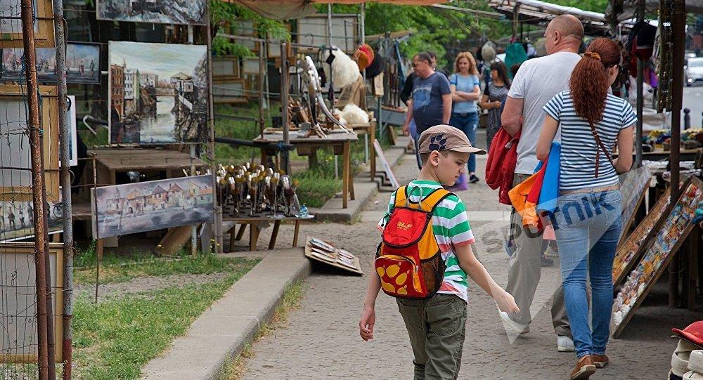 1.1 млн туристов из Армении посетили Грузию за 8 месяцев 2017 года