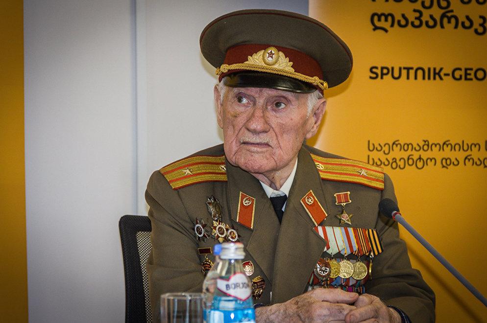 Ветеран ВОВ, майор, командир роты Николоз Чарашвили