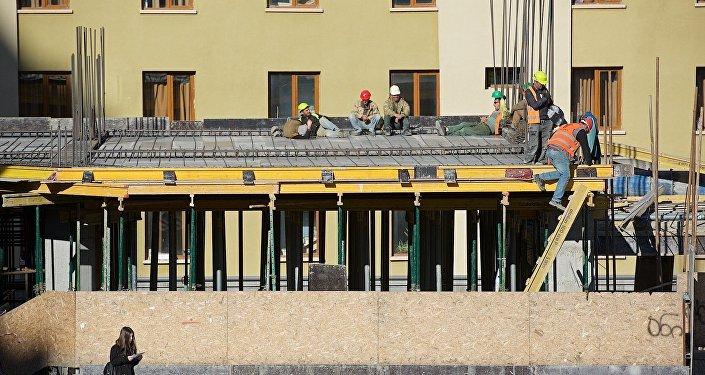 ახალი სავაჭრო ცენტრისა და სასტუმროს მშენებლობა თბილისის ცენტრში