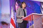 Хатия Деканоидзе выступает на съезде ЕНД