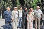 Юрий Лужков в монастыре 13 ассирийских отцов
