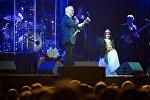 Селфи с Меладзе и папаха в подарок: певца поздравили с юбилеем в Тбилиси