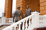 Памятник Глебу Жеглову и Володе Шарапову в Москве