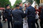 Стычки с полицией, обмороки и аресты: акция протеста в центре Тбилиси
