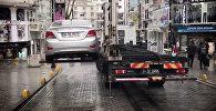 Как эвакуируют машины в Турции