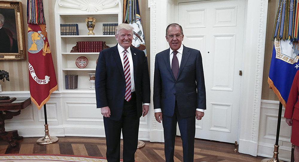 Белый дом раскрыл детали разговора Трампа иЛаврова
