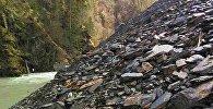 Камнепад по дороге в Тушети