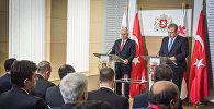 Премьер-министры Грузии Георгий Квирикашвили и Турции Бинали Йылдырым на встрече в Тбилиси