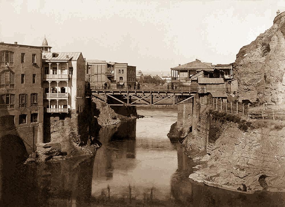 Метехский мост. Архивное фото