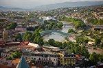Вид на центр Тбилиси с крепости Нарикала