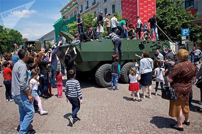 Бронетранспортер турецкого производства EJDER на выставке вооружений и военной техники в День Независимости