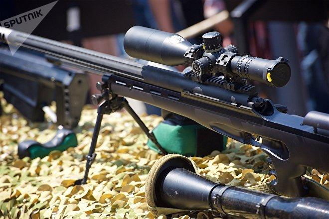 Снайперская винтовка Сатевари грузинского производства на выставке вооружений и военной техники в День Независимости