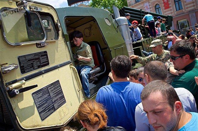 Реактивная система залпового огня RM-70 на выставке вооружений и военной техники в День Независимости Грузии
