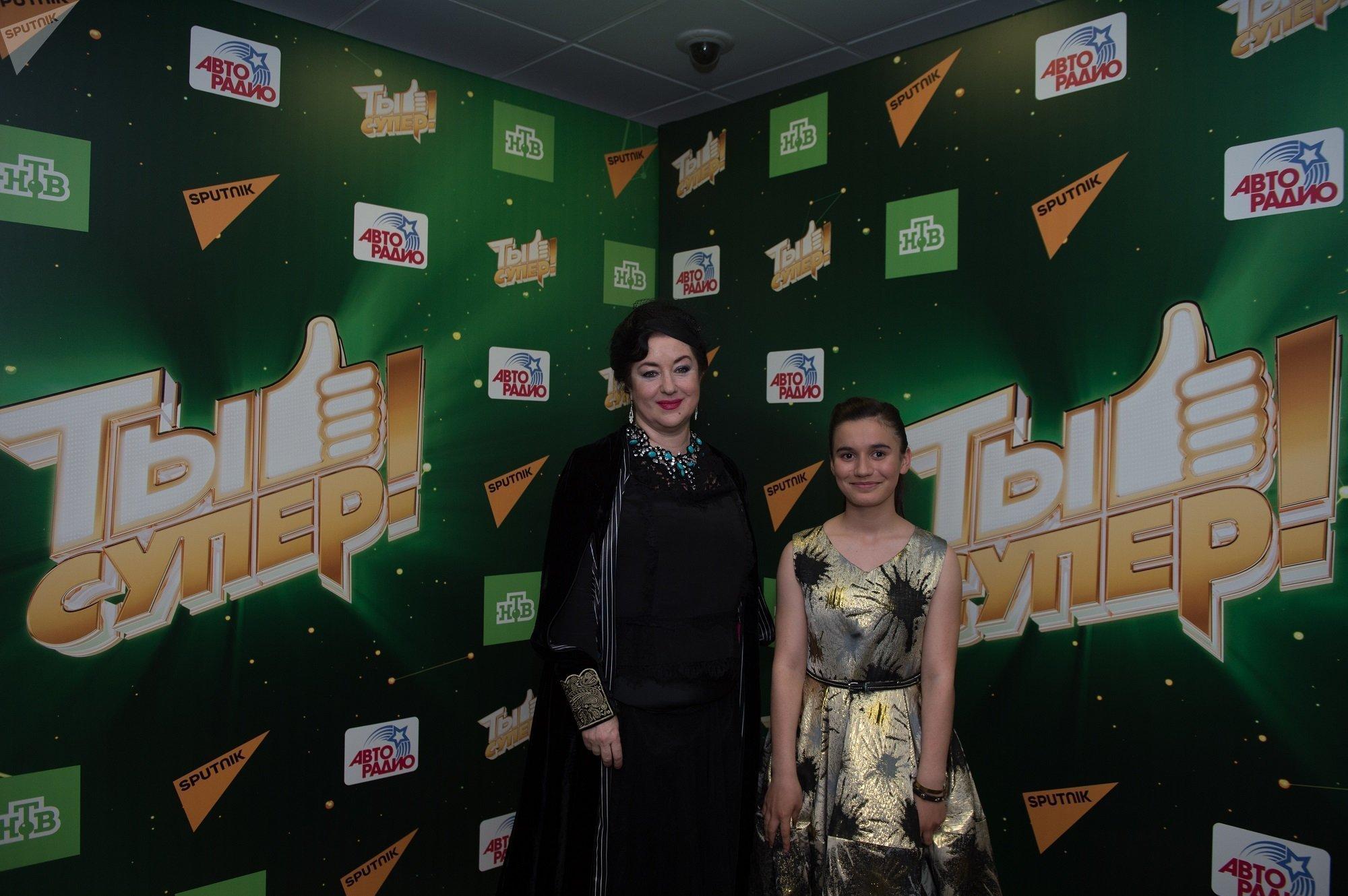 Певица Тамара Гвердцители и участница проекта Ты супер! Нана Вардзелашвили
