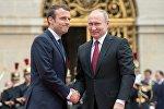 LIVE: Прямая трансляция пресс-конференции президентов России и Франции
