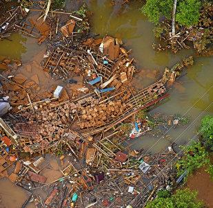 წყალდიდობის შედეგად განადგურებული სახლები მატარაში , შრი-ლანკა