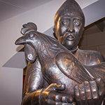 Скульптура из серии Горожане, медь, выколотка, 2004-2007 года